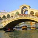 venecija-rialto-tilts