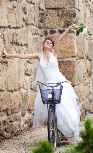 Līgava uz velosipēda